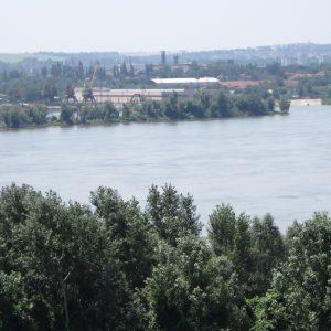 Plimbare Ruse, Dunarea, santierul si orasul pe fundal