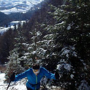 Alergare de iarna in Crai, urcarea spre saua Joaca