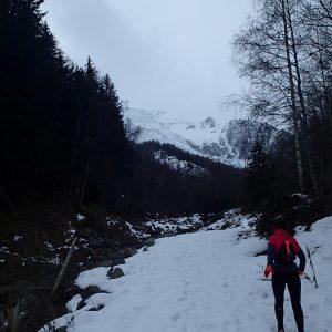 Alergare prin Chamonix, la deal pe zapada