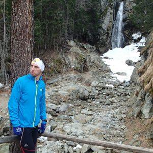 Alergare prin Chamonix, cascada du Dard