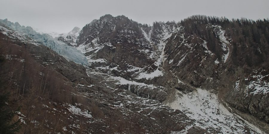 Alergare prin Chamonix, ghetarul Bossoms de departe
