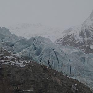 Alergare prin Chamonix, prim plan cu ghetarul Bossons