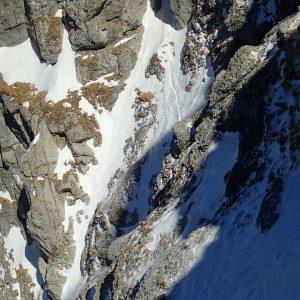 Galbenele, Scorusilor si Alba, coborarea din strunga pe fundal dreapta