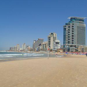 Alergare pe nisip, plaja din Tel Aviv vedere spre N