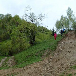 Weekend prin Zarnesti, Magura si Pestera - in drum spre Pestera cu Lilieci