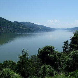 Cazanele Dunarii - Dunarea dupa Cazanele Mari, spre amonte