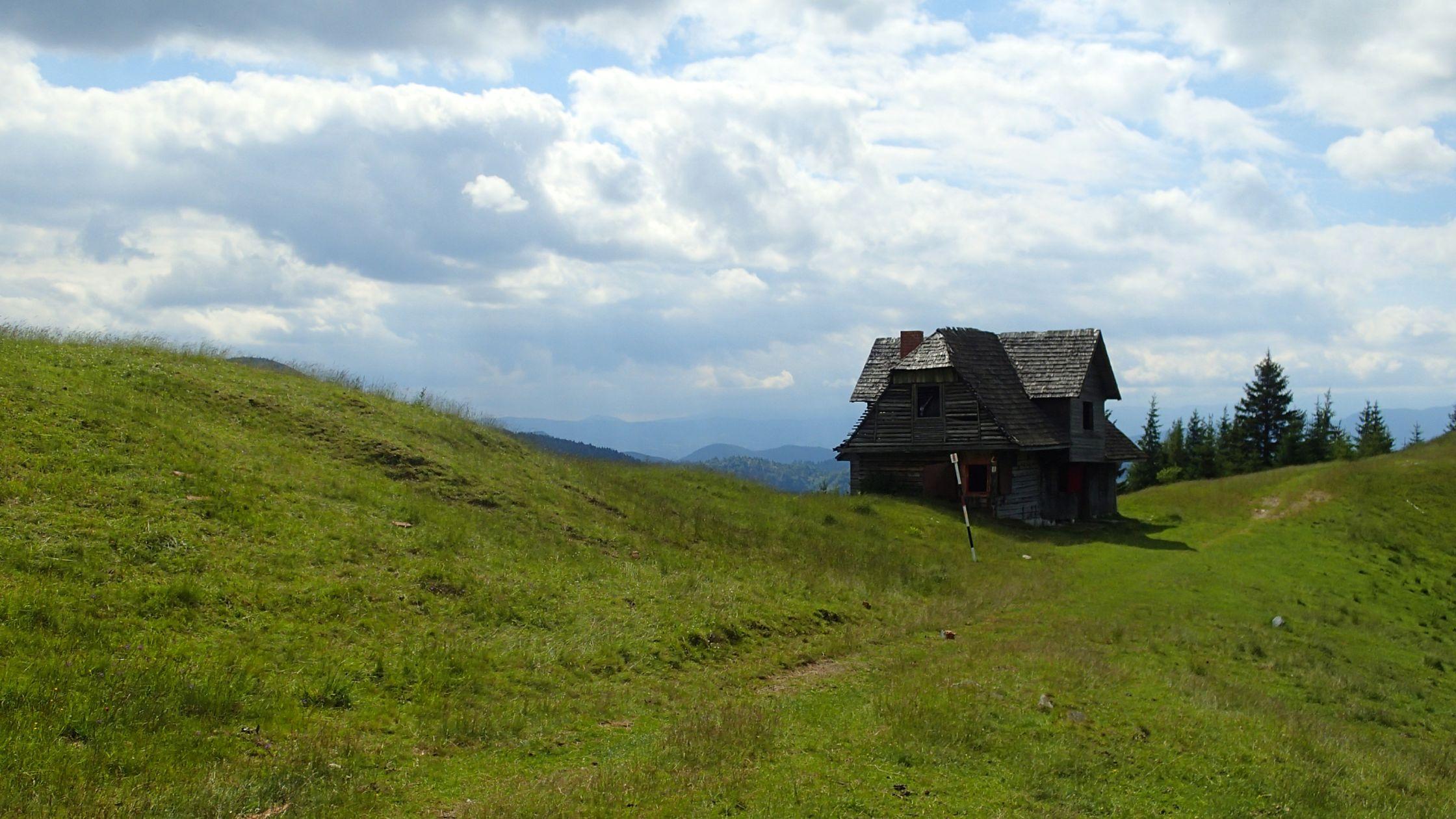 Ture de alergare prin Bucegiul vestic, cantonul parasit din poiana Gutanu