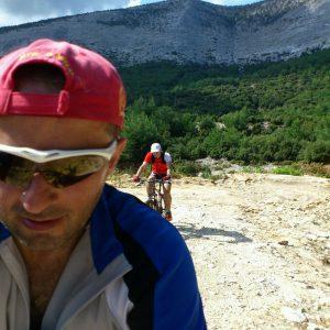 MTB si curisera in Thasos, selfie riscant in miscare