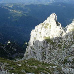 Creasta Costila-Galbinele, coborarea pe valea Scorusilor