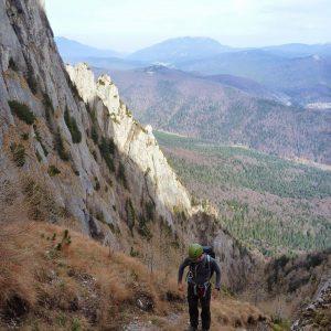 Valea seaca a Caraimanului, de vara, prin hornuri - un moment de pauza