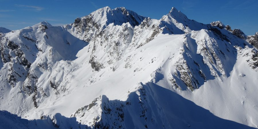 Creasta Fagarasului de iarna, o parte din creasta spre Vanatoarea lui Buteanu