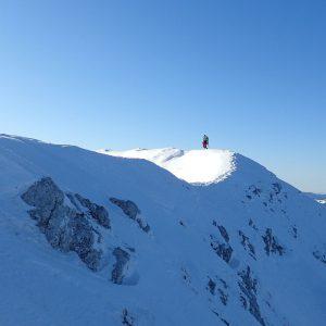 Creasta Pietrei Craiului de iarna, Cosmin facand urme :)