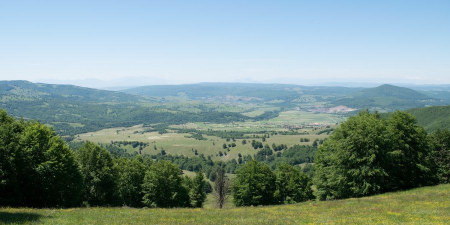 Alergare prin zona lacului Sf. Ana, panorama spre Bixad