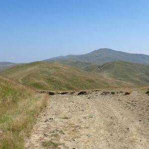 Cu MTB-ul pe traseul de ultramaraton Ciucas, forestierul principal de platou