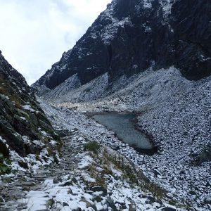 Alergare prin muntii Tatra, al doilea lac glaciar vazut de sus