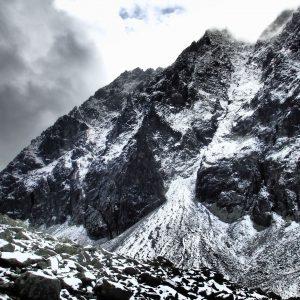 Alergare prin muntii Tatra, culoar dragut ce pare a duce pe langa vf. Gerlach (2655m)