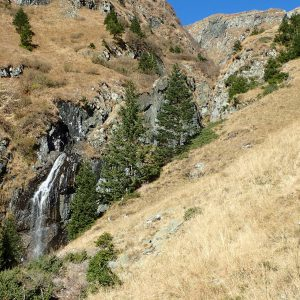 Pe vârful Moldoveanu în alergare, mini cascada inainte de terasa glaciara