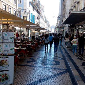 Alergare prin Lisabona, o alee pietonala