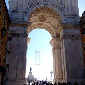 Alergare prin Lisabona, arcul de triumf din Piata Comertului