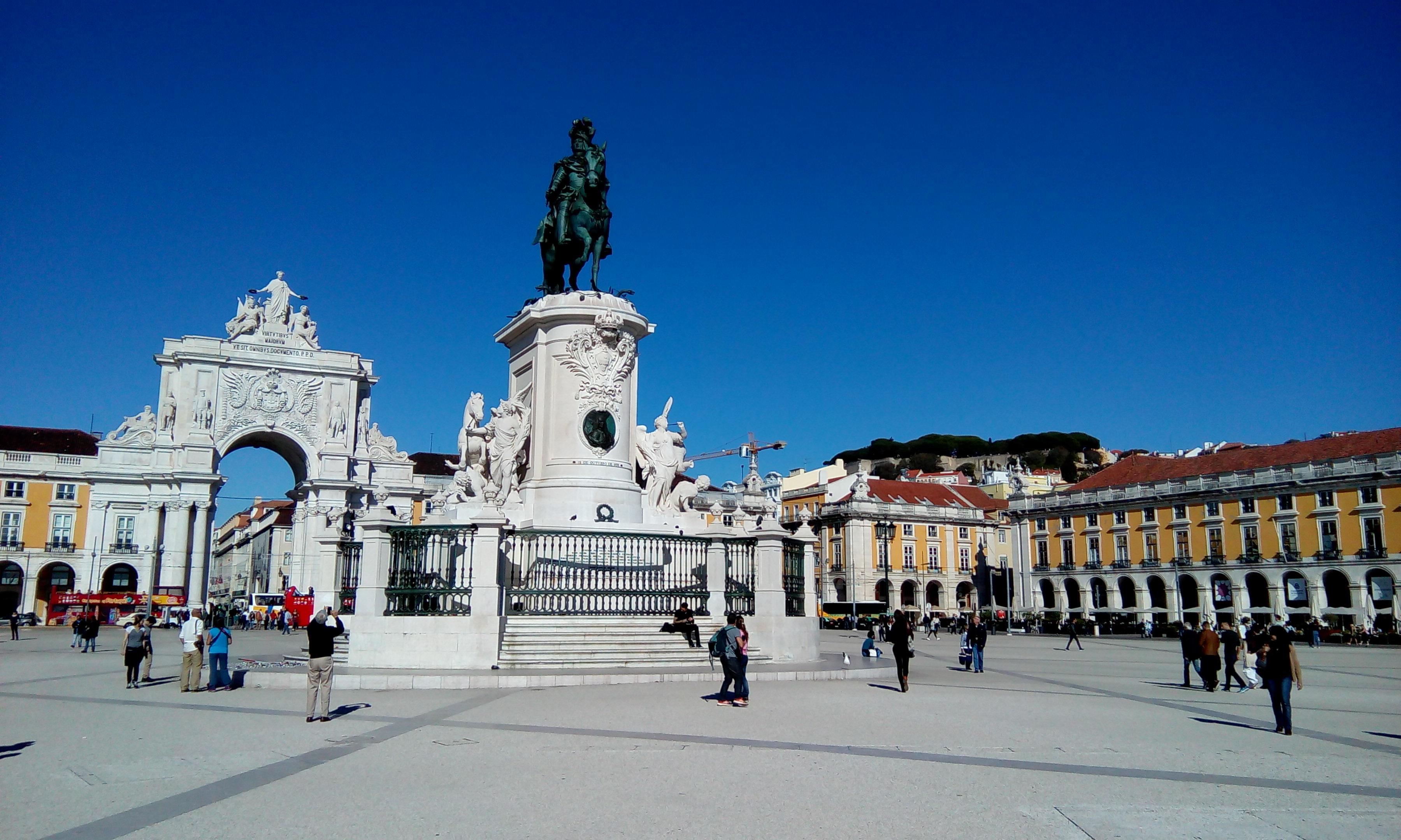 Alergare prin Lisabona, Piata Comertului
