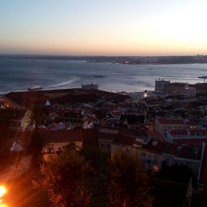 Alergare prin Lisabona, vedere spre raul Tagus