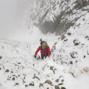 Valea Colţilor de iarnă, urcarea strunga Coltilor