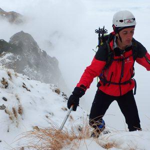 Valea Colţilor de iarnă, Alin in strunga Coltilor