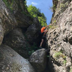 Cataratura pe Valea Comorilor, incercari pe saritoarea problematica