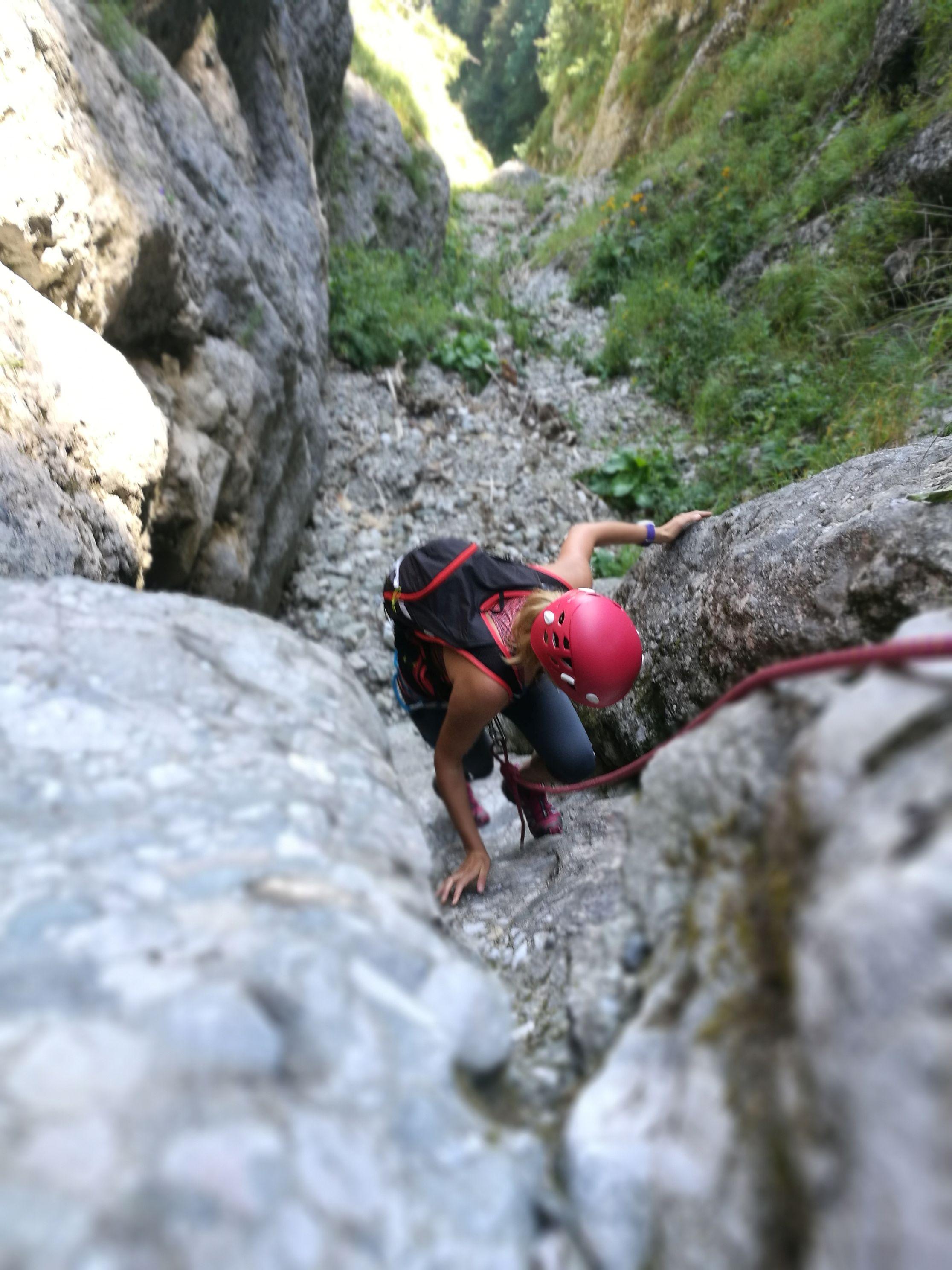 Cataratura pe Valea Comorilor, pe saritoarea slefuita dupa prima bifurcatie