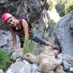 Cataratura pe Valea Comorilor, iesirea din saritoarea cu lemne subtiri