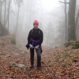 Plimbare de toamna prin Piatra Mare, la deal prin padure si ceata