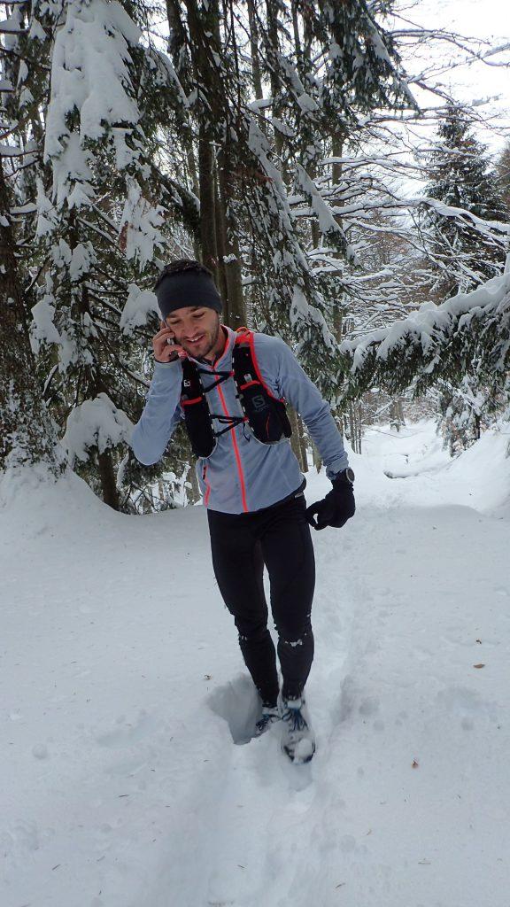 ATrekking rapid de iarnă spre Mălăesti, Andrei raspundea la urarile de la multi ani
