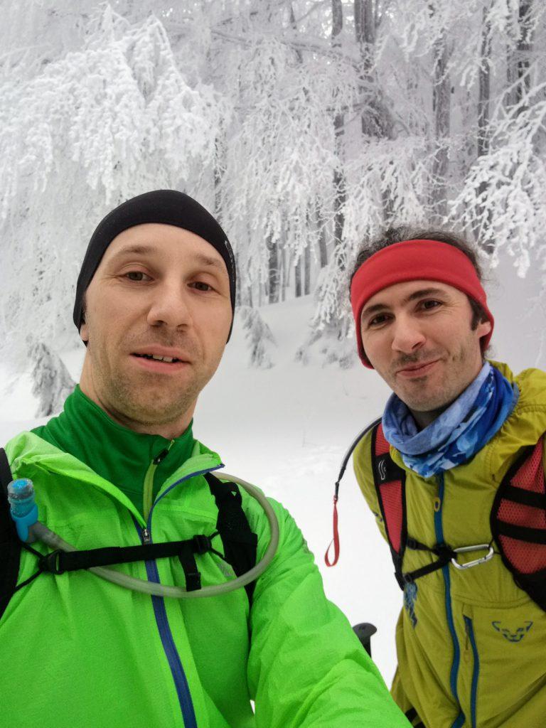 Selfie la urcarea spre cabana Diham