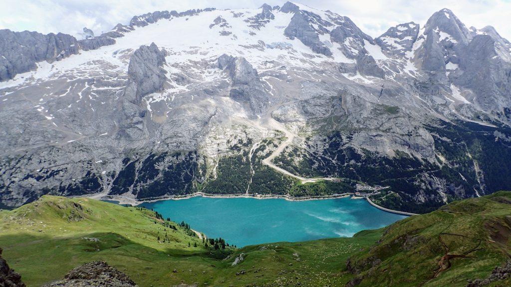 Marmolada si lacul Lago di Fedaia