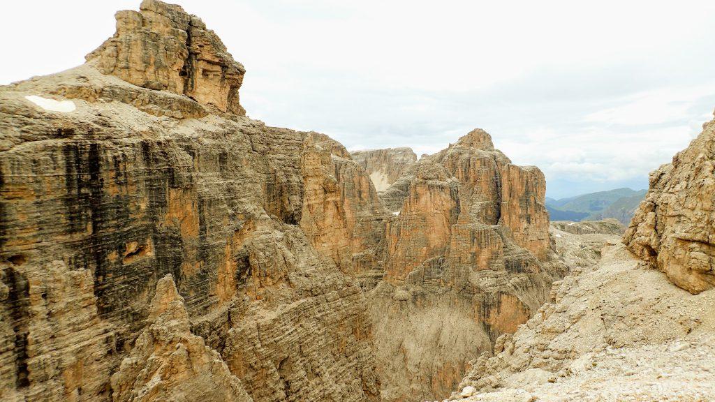 Niste canioane impresionante la altitudini de peste 2900m