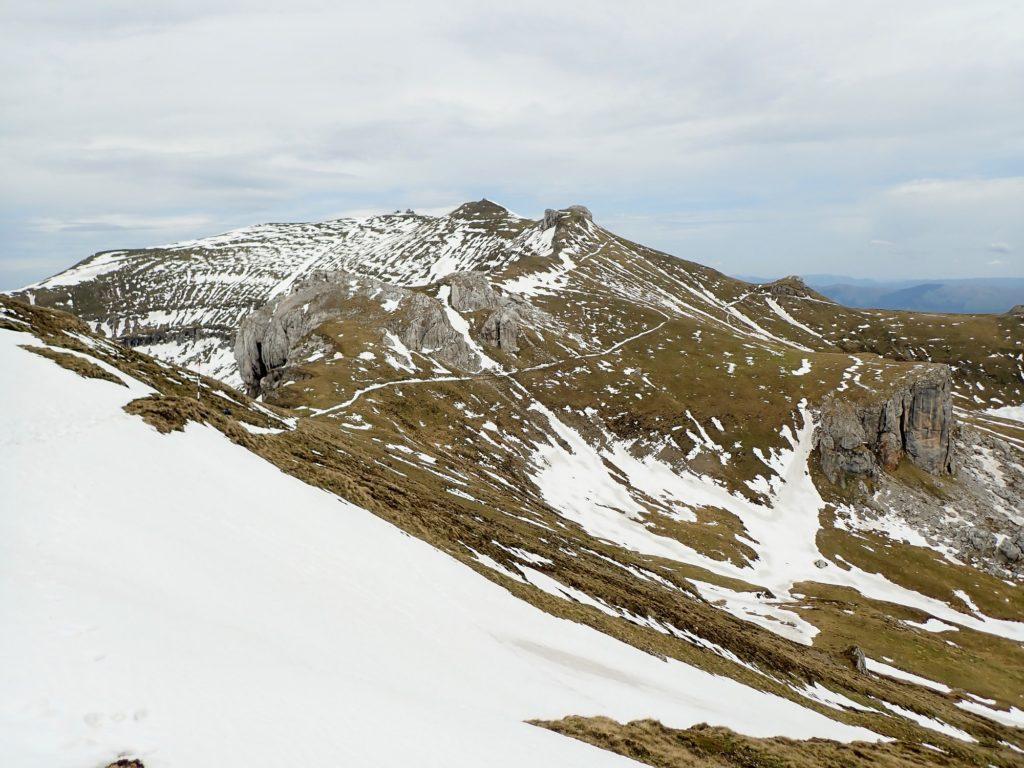 Mecetul Turcesc în dreapta jos, Omu în stânga sus